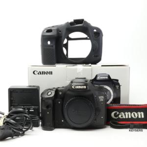 Canon 7D body + Body grip (Bundle)