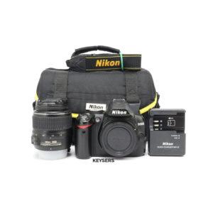 Nikon D3000 Bundle